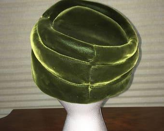 1950s Forest Green Velvet Hat