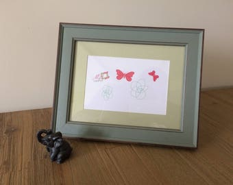 picture frame to put green of to the Brown, horizontal/vertical with margin for paper 10 x 15/back Easel is handmade paper owl, child