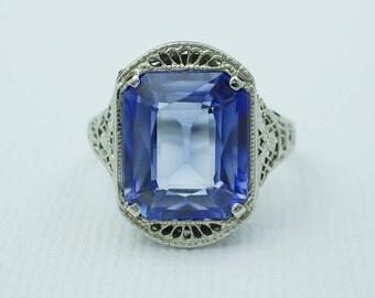 Art Deco Synthetic Sapphire Filigree Ring 14k