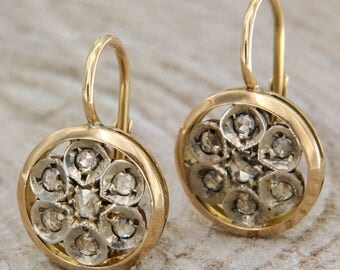 Earrings in yellow gold 14 kt. and diamonds, antique style patch pendants, round earrings with rosette cut diamonds, Italian jewels
