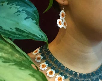 Daisy Necklace and Earings Set