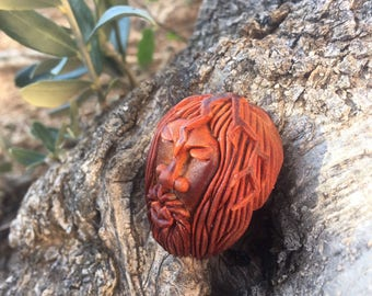 HADAD, Avocado stone pendant