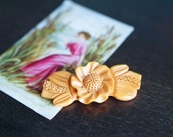 Large 1940s Butterscotch Bakelite Brooch - 40s Carved Bakelite Brooch - Flower And Leaves Bakelite