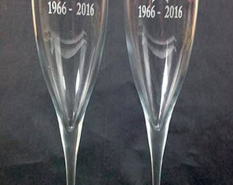 2 Cava glasses engraved as you wish