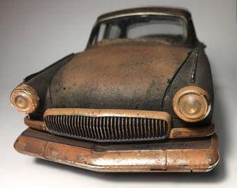 Collectible Wrecked Scale Model Car 1/24 from 1950's