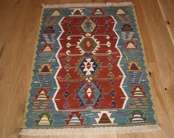 Beautiful Handmade Turkish Kilim, 118 x 81cm, Made With Hand Spun Wool & Natural Dyes