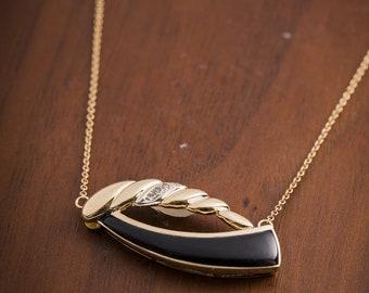 Vintage 14k Gold Onyx Pendant