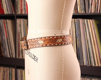 hand tooled leather belt . trumpet flower belt with name Arlyn . unisex western belt size 32
