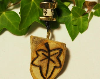 English Ivy Wood Pendant - Overcoming Challenges - Pagan, Wicca, Witchcraft, Ogham tree, Pyrography
