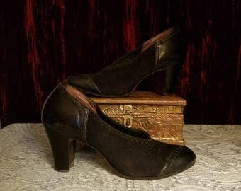 Vintage 1930's Ladies Shoes High Heels, Black Suede and Leather, Size 6
