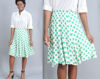 Green and White Polka Dot Swing High Waisted Drape Skirt in Size Medium Knee Length Flowy Breezy Christmas outfit holiday festive spring