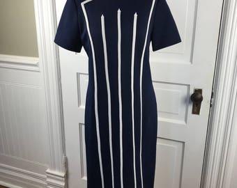 Vintage Ladies' Size 10 Navy Blue Bleeker Street Short Sleeve No Iron Knit Dress