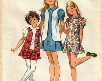 1970s Simplicity 9794 Vintage Sewing Pattern Girls Mini Dress, Drop Waist Dress, Vest Size 8