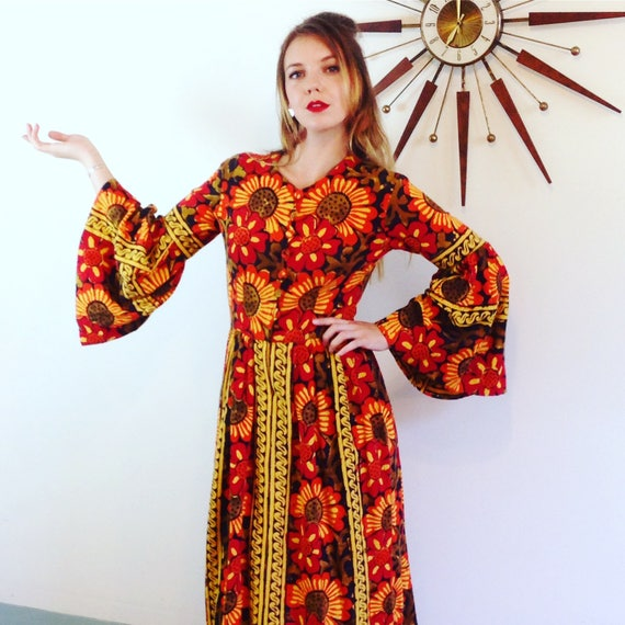 Long Indian dress, 70s Maxi dress, Vintage 70s caftan, Boho Indian dress, Tapestry dress, Cotton hippie dress, bell sleeve dress, colorful