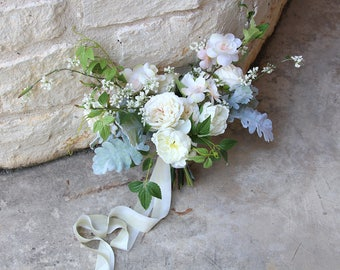 Bridal White and Ivory Loose Silk Flower Wedding Bouquet | Garden Style Bridal Bouquet | SG-1043