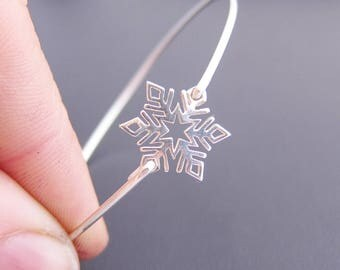 Snowflake Bracelet, Sterling Silver, Snowflake Jewelry for Women, Winter Fashion, Snowflake Bangle, Winter Jewelry Gift, Winter Bracelet