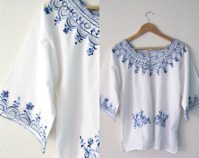 Vintage embroidered Bohemian blouse / Blue floral embroidered tunic blouse top