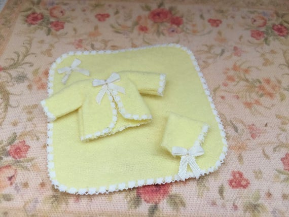 Miniature Baby Clothes and Blanket Set, Yellow Bonnet, Jacket and Blanket, Dollhouse Miniature, 1:12 Scale, Dollhouse Decor, Accessory