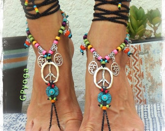 Yogi PEACE sign BAREFOOT sandals Bikini feet Silver Om symbol YOGA jewelry Crochet Toe anklet Black sandal Garden wedding footwear GPyoga