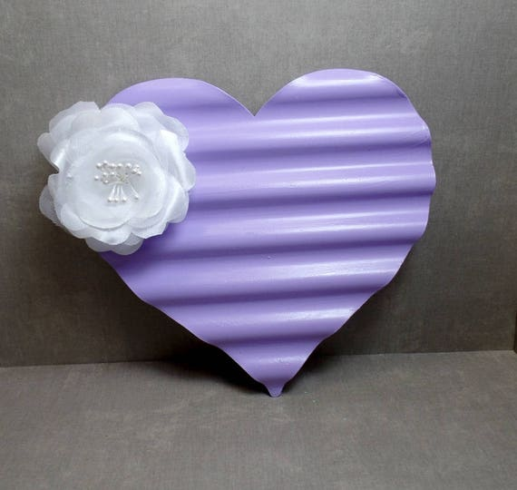 Purple & White Flower Metal Heart Wall Art - Heart Wall Hanging - Shabby Chic Heart - Boho Floral decor - Heart Decor