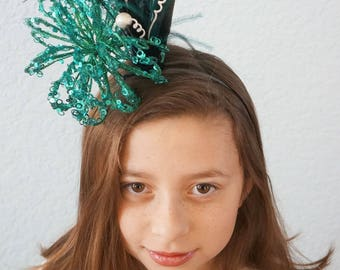 2018 New Years Eve SHIP READY Headband NYE Headpiece Hairpiece Teal Glitter Black Band White Berry Feathers Unique Showgirl Over The Top Hat