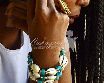 Turquoise Shell bracelet,Layered shell bracelet,Turquoise beaded Shell bracelet,African jewelry