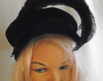Vintage 1930s Hat Black Felt and Feather Plumes Designer Label Deco