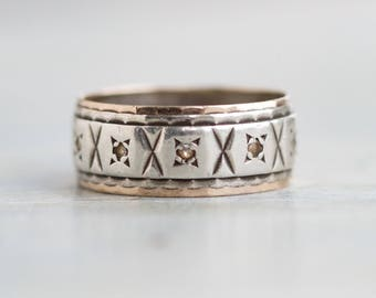 Art Deco Wedding Band Ring - Antique Sterling Silver and 9 ct Gold - Ring Size 6.5 - Row of Kisses
