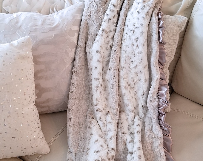 Minky Blanket, Arctic Snow Leopard print, neutral, soft luxurious throw, Faux fur blanket, Christmas Gift, greige, warm tones, fluffy