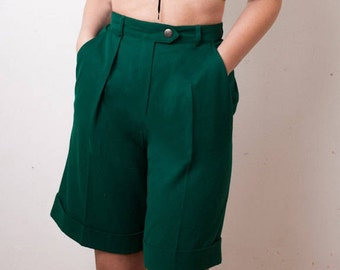 90s ESCADA Emerald Green Culottes, Designer Womens High Waisted Shorts size Small, New Wool, sport cruise, early 1990s