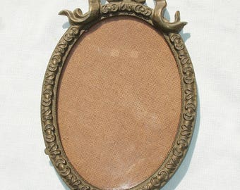 Antique Ornte Oval Frame with Glass