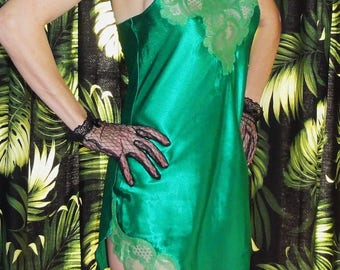 Vintage Emerald Green Victoria's Secret Negligee M As Is pinup mid century mad men retro boudoir 1950's sleepwear nightgown lace gown
