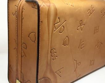 Vintage leather suitcase luggage cowboy ranch brands branded Boyle 40s era