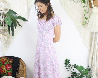 Dreamy bohemian vintage dress, Lavender floral off-shoulder maxi dress, Small 4199