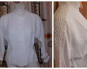 Vintage 1950s Blouse White Rayon Open Embroidery Lace Blouse Long Sleeves Pearl Buttons Rockabilly Secretary M chest to 38 in