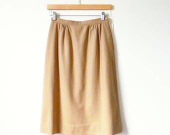 Vintage Camel Wool Pencil Skirt / Pendleton Wool Pencil Skirt in Light Caramel / Wiggle Skirt Fall Knee Length Skirt / 25 Waist