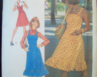 Young Contemporary Fashion Dress or Jumper from 1970s Simplicity Pattern 6926 Size 10