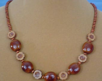 "UNIQUE 21"" necklace in shades of brown.  N537"