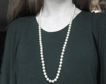 """Vintage Pale Yellow Beaded Necklace 30"""" Long"""