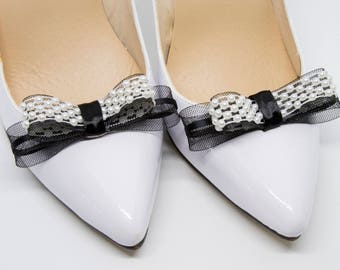 Black and pearl shoe clips