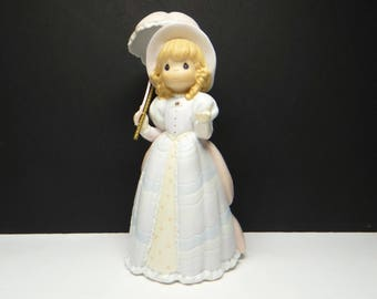 Precious Moments Figurine #488259 Hope Is Revealed Through Gods Word 1998 - Victorian Series, Mint Condition.