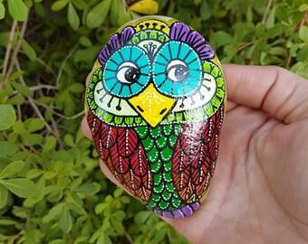 Painted Rock Owl, Owl Art, Painted Pebbles, Office Decor, Piedras Pintadas,