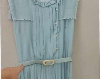 60s pleated dress. XL size. Classy light blue summer belted dress with lined top & 4 beige buttons on top. In a very good vintage condition.