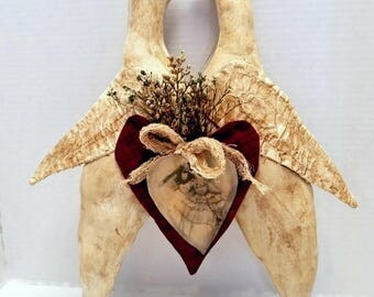 Primitive Love Birds, Valentine Birds, Kissing Dove Birds, Valentine Wall Decor