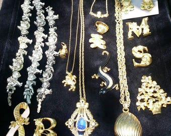 Vintage Avon jewelry lot 17 peices bracelets brooches necklaces ring
