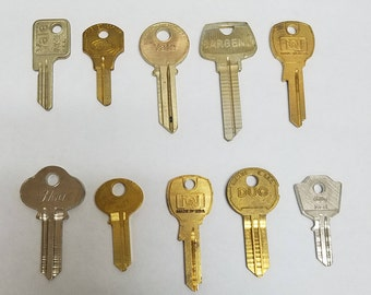 Vintage Key Blanks     10 Key Collection     Stamping Keys     Old Keys for Crafting     Group of Keys     Vintage Brass Keys      Yale Ilco