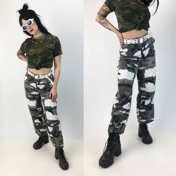 High Waist Camo Print Wide Leg Pants Womens Size 6 - Black White Gray Camouflage Army Pants - No Boundaries Baggy Camp Print Cargo Pants