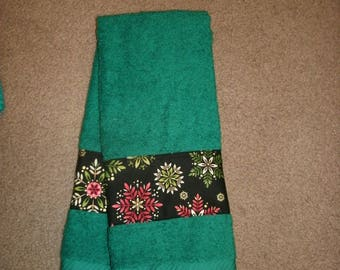 Holiday Hand Towels- Christmas Hand Towels- Holiday Snowflakes Decor- Seasonal Hand Towels- Bathroom Hand Towels- Guest Towel