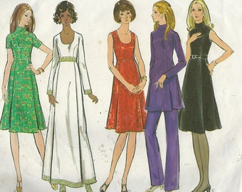 """Vogue Basic Design 2600 Misses' And Misses' Petite Dress, Top And Pants  Size 10  Bust 32.5"""""""