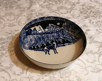 """Large Blue & White Wolf Bowl - Vegetable, Potato Serving Dish - Spotted Picture of Wolf in Mountains - Folk Craft, by Tienshan - 9"""" diameter"""